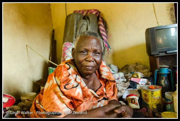 Grandmother Aisha who suffer from diabetes and has a lot of pain.